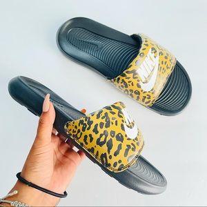 Nike leopard spotted slides size 8